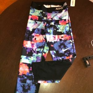 ‼️CLOSET CLOSE OUT! NWT GIRLS NIKE PRO LEGGINGS 🌺